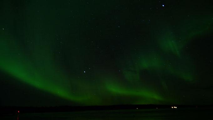 宇宙よりも遠い場所 オーロラ フィンランド